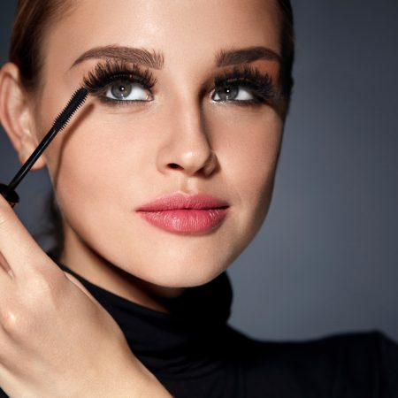 The 10 Best Mascara for Sensitive Eyes in 2021