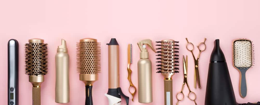 A full range of hairstylist's tools