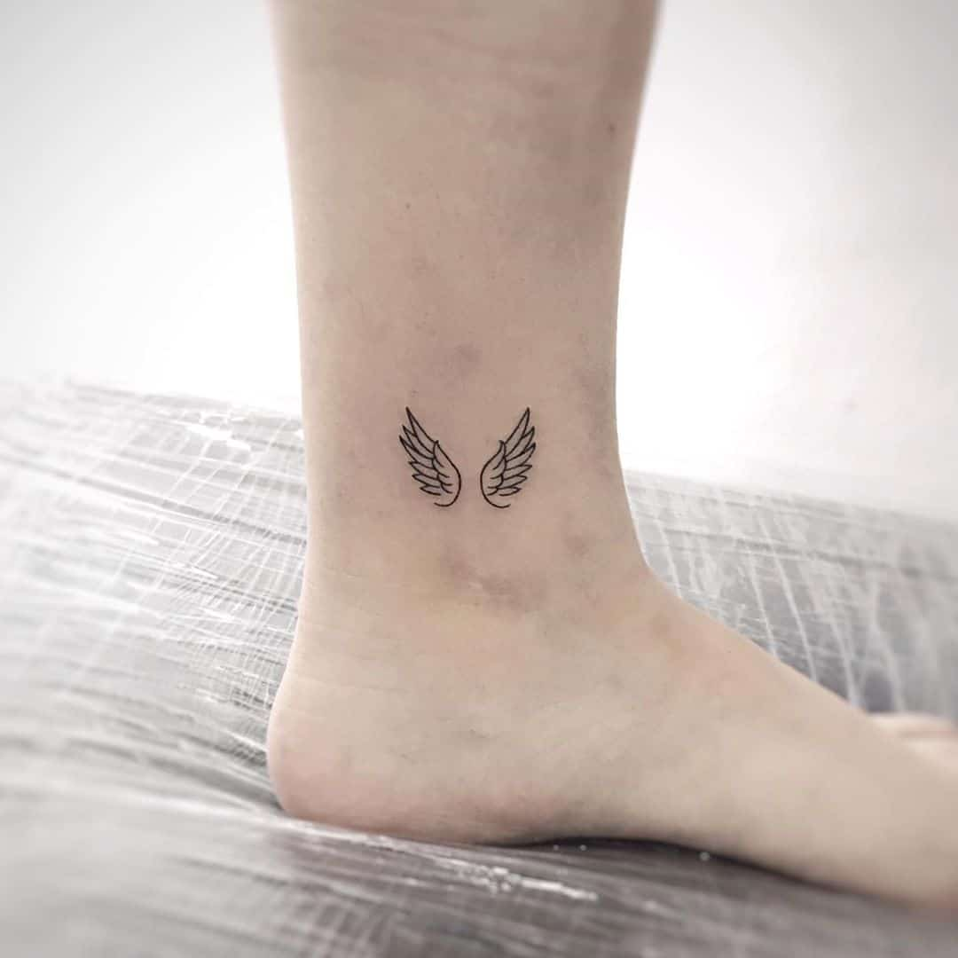 50 Small Tattoo Ideas For Women With Meaning Beauty Mag