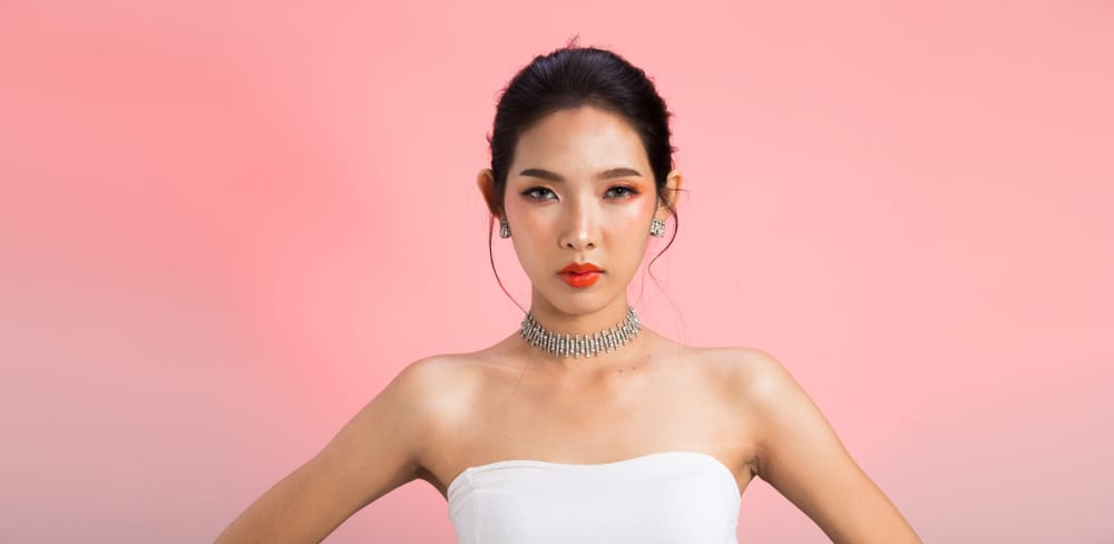 pretty Korean woman wearing a gradient lip
