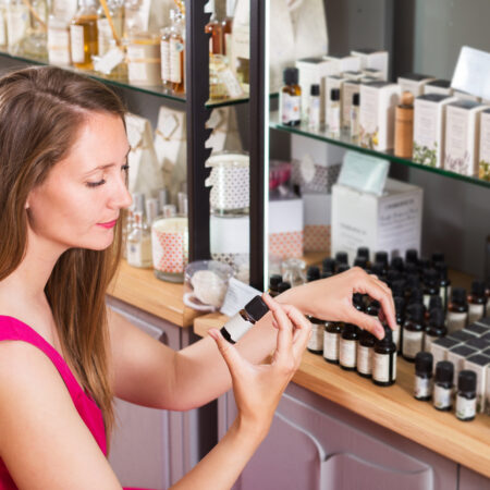 Essential Oils for Dandruff Control – Which Ones Actually Work?