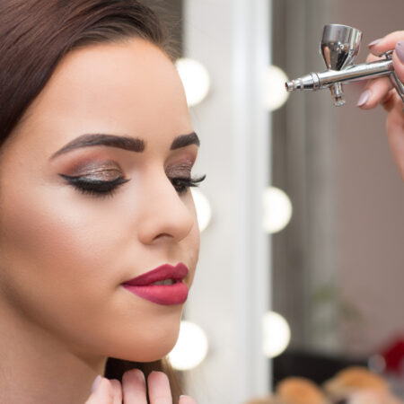 The 10 Best Airbrush Makeup Kits in 2021