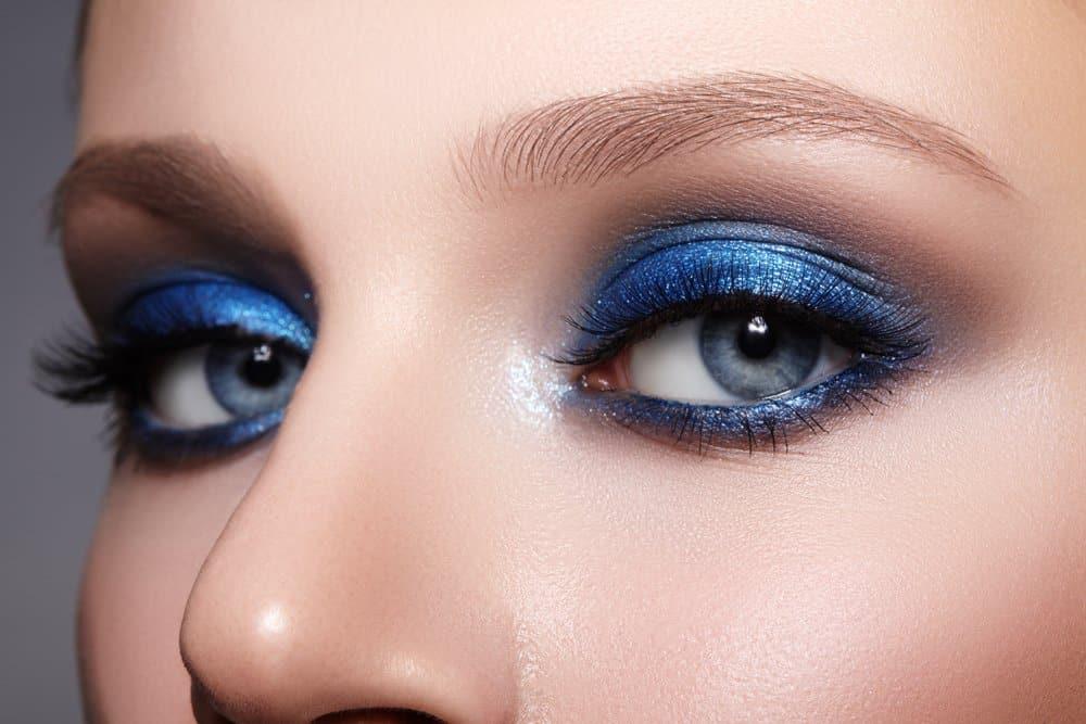 blue eyeshadow with blue eyes