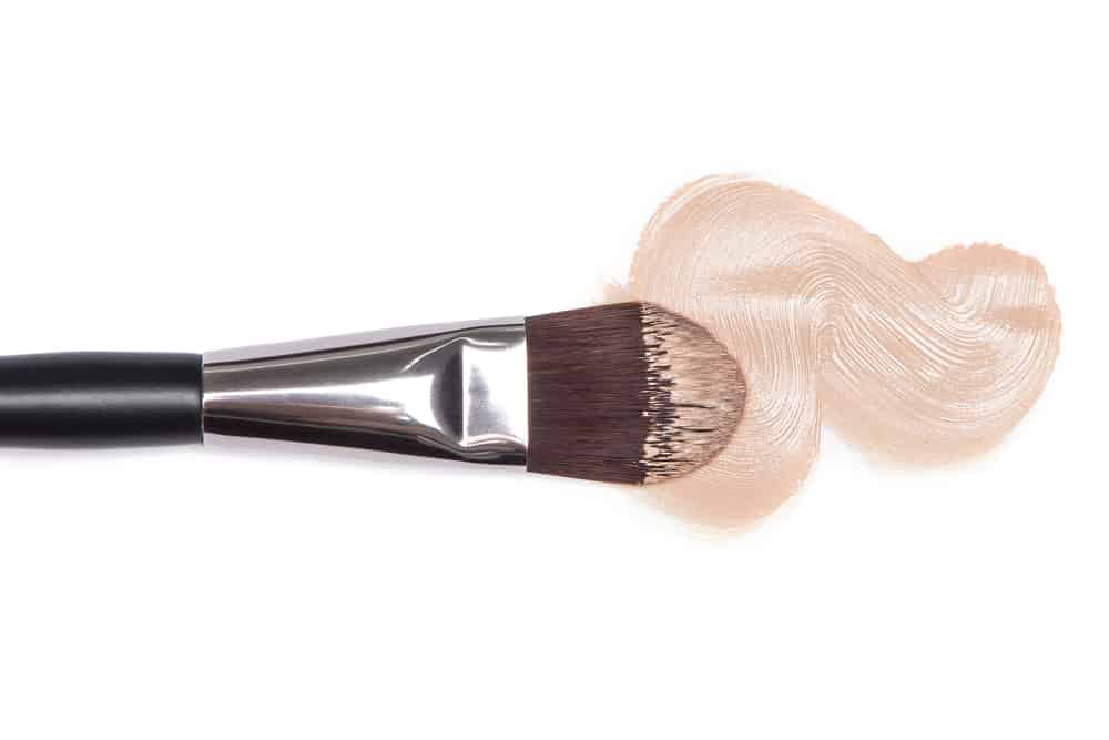 foundation brush in makeup