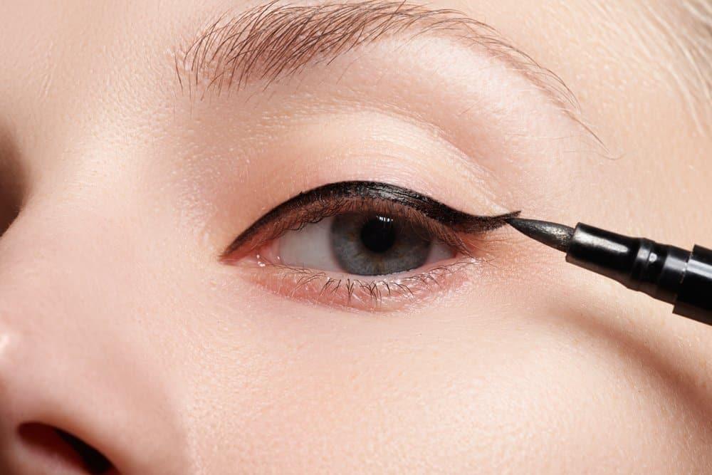 eyeliner brush near eye