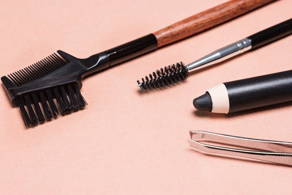 eyebrow maintenance tools