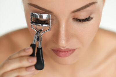 The 11 Best Eyelash Curlers for a Long-Lasting Curl in 2021