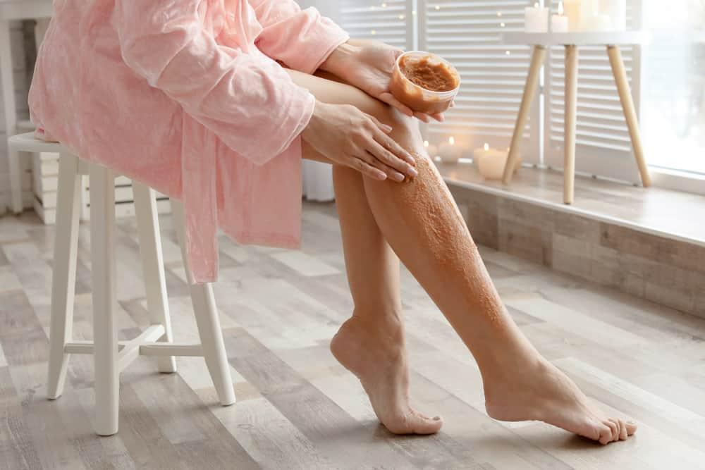 preventing razor bumps with scrub