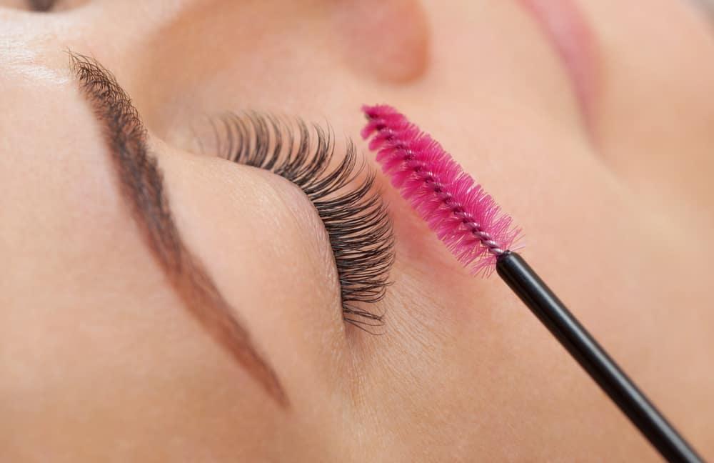 brushing eyelash extensions