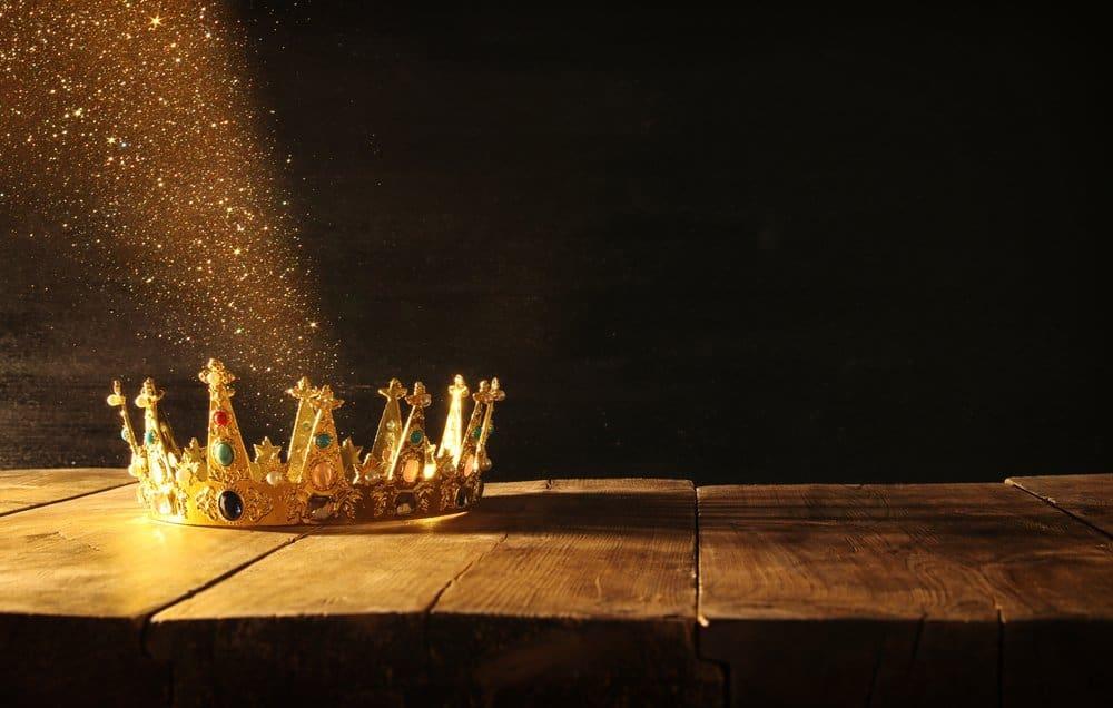 golden sparkling crown
