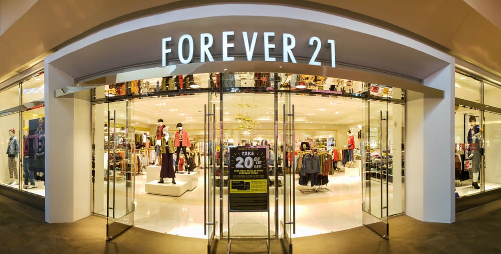 large forever 21 store in mall