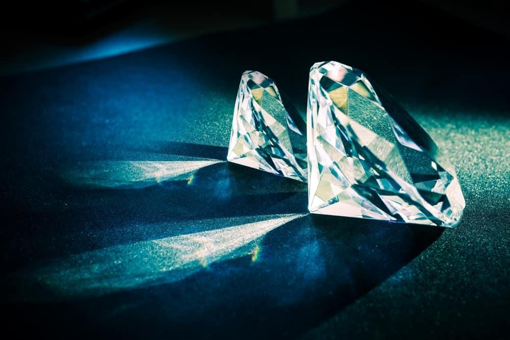 two half-lit diamonds