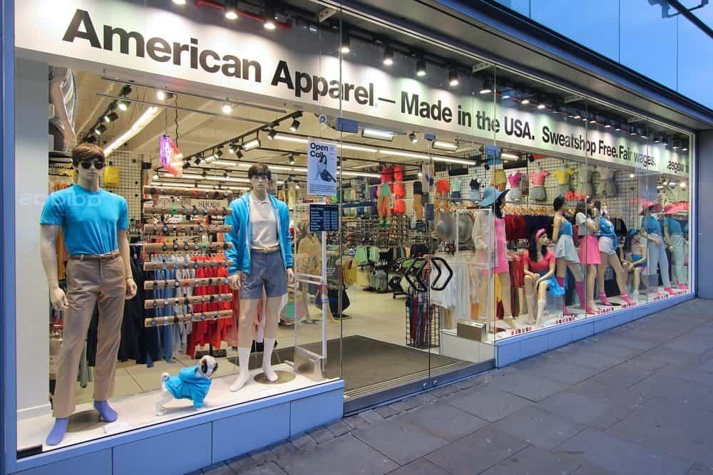 american apparel storefront mannequins