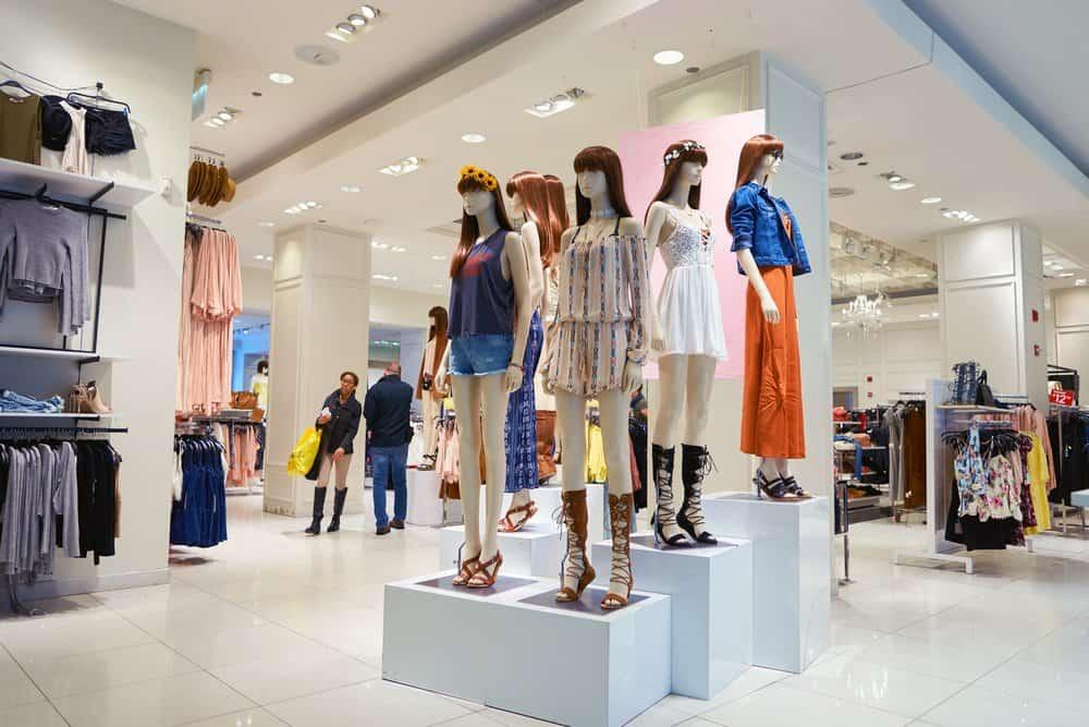 forever 21 mannequin display