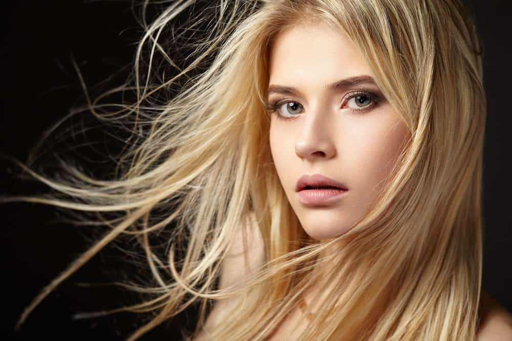 girl with natural long blonde hair