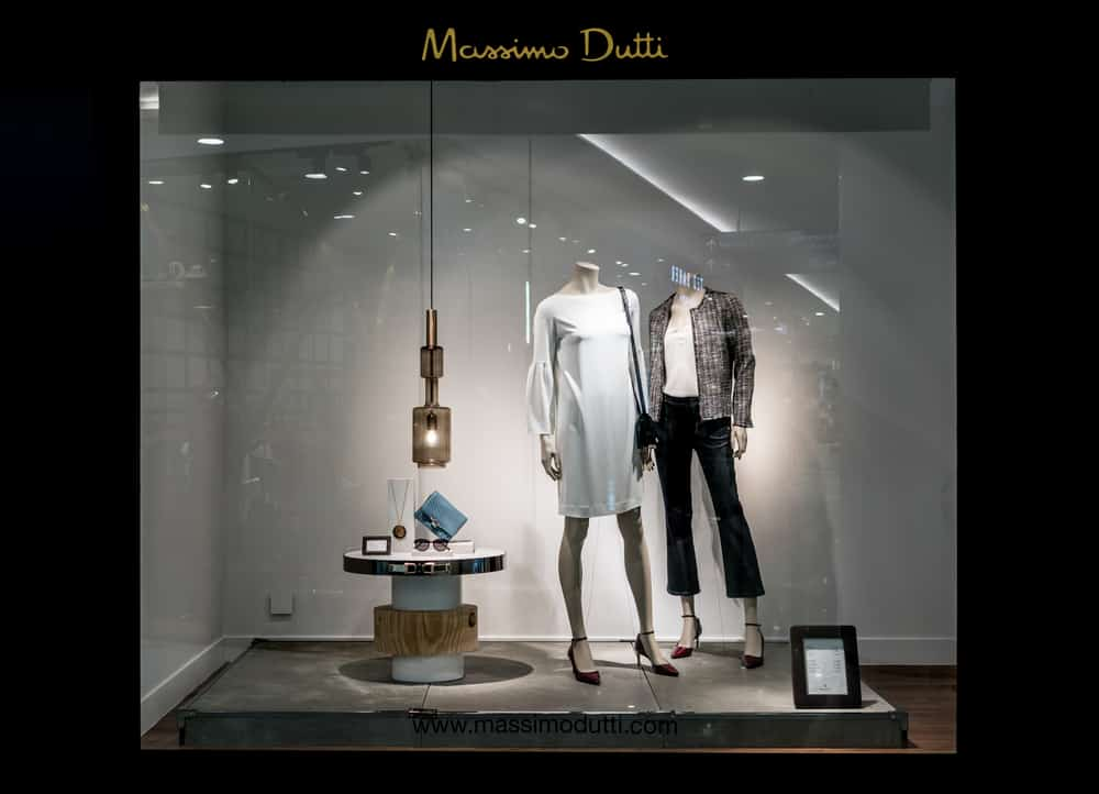massimo dutti window display