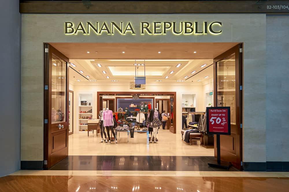 banana republic storefront