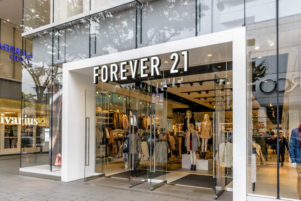 large forever 21 store