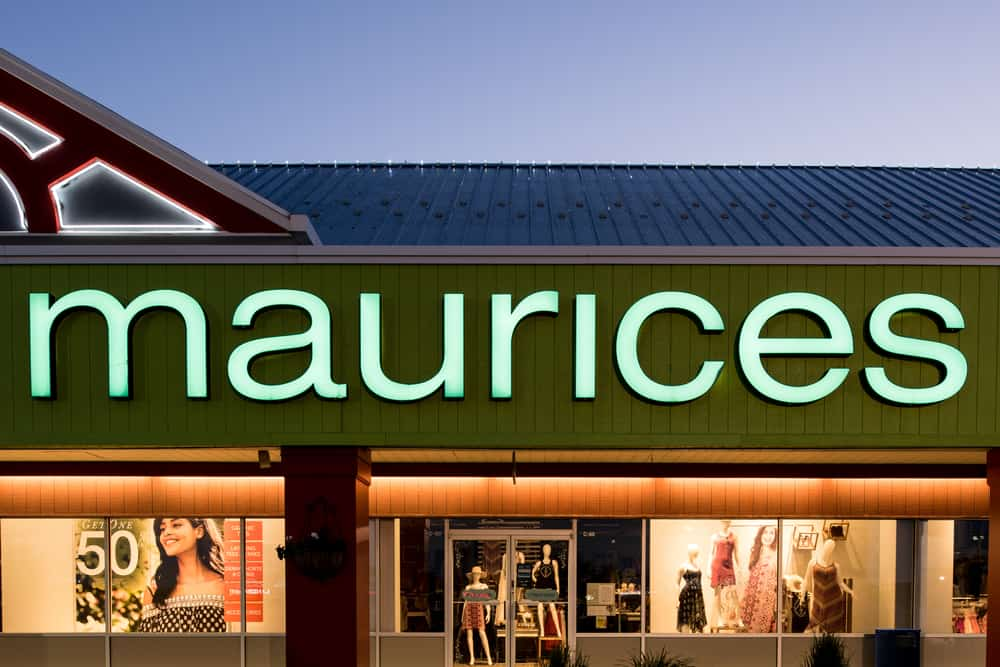 maurices fashion clothes storefront