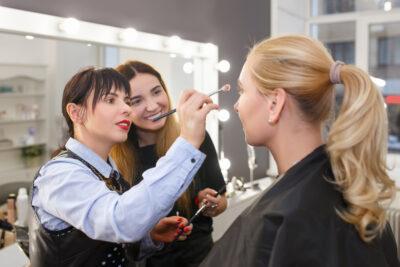 8 Best Cosmetology Schools in Chicago to Help Kickstart Your Dreams