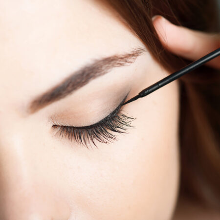 Mascara vs. Eyeliner – Which Should I Choose?