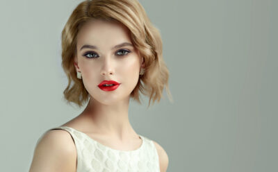 How to Curl Short Hair With or Without Heat